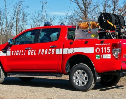 Amici Vigili del Fuoco di Monghidoro   Nuovo automezzo polivalente con due versioni scarrabili, modulo per incidenti stradali e anti incendio boschivo